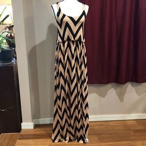 NWT Honey Punch Chevron Print Maxi Dress Size S